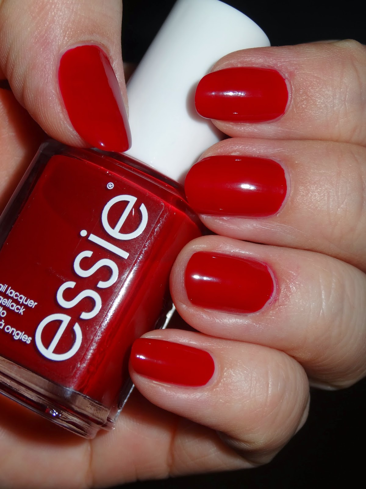 polishlover: essie - twin sweater set