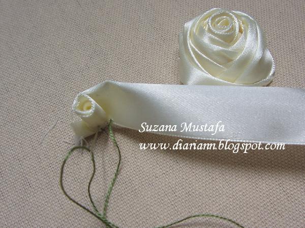 Шедевры из ленточных роз и три мастер-класса от малазийского мастера сюзанны мустафы.