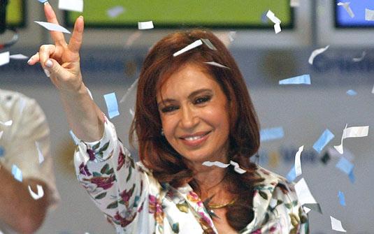 AMPLA VANTAGEM DE CRISTINA DESENHA ELEIÇÃO ANTECIPADA NA ARGENTINA