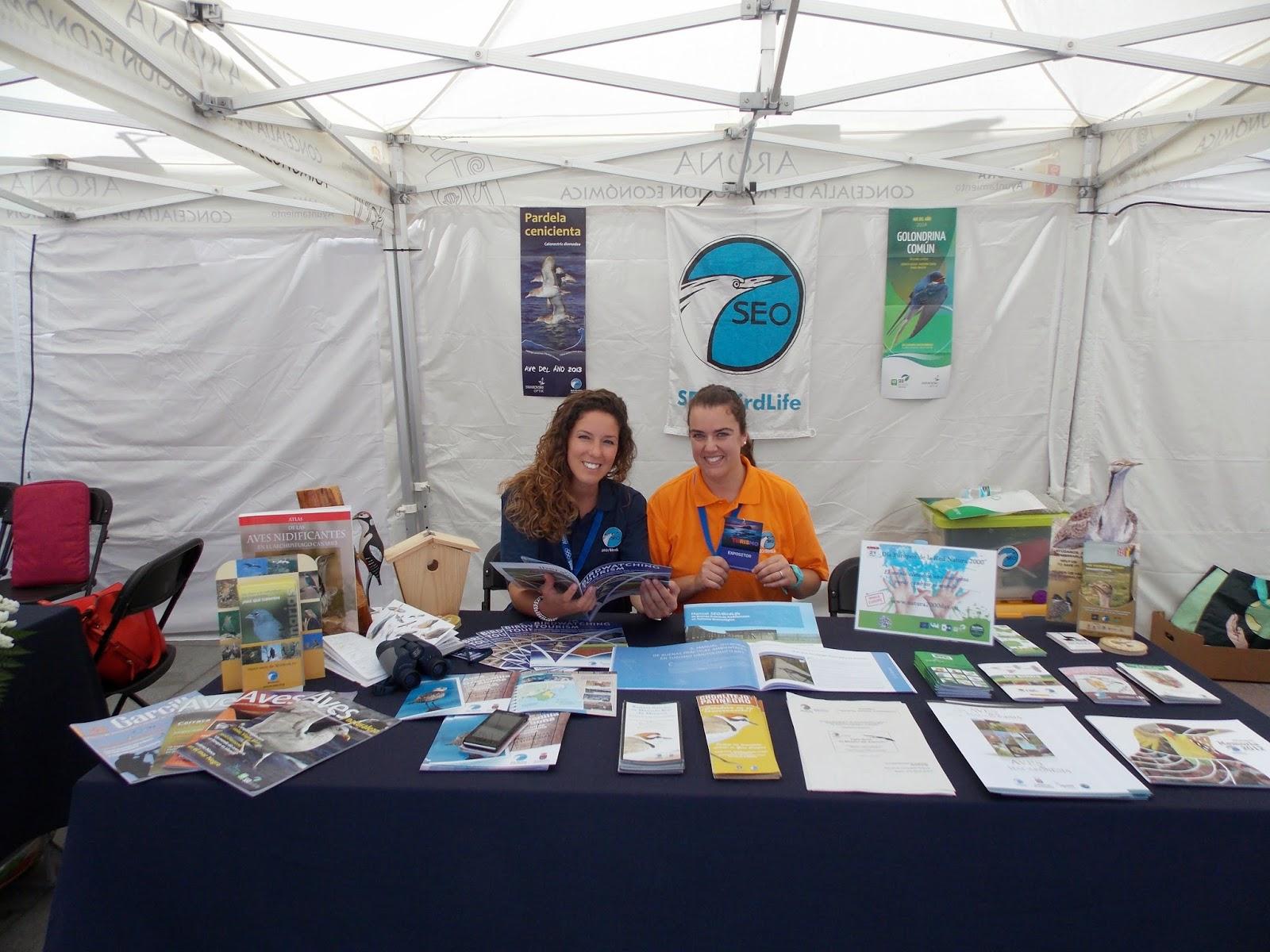 SEO/BirdLife en Canarias y miembros del grupo local SEO-Tinerfe en Futurismo Canarias