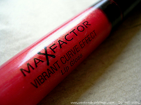 Maxfactor vibrant curve effect lip gloss artistic 16