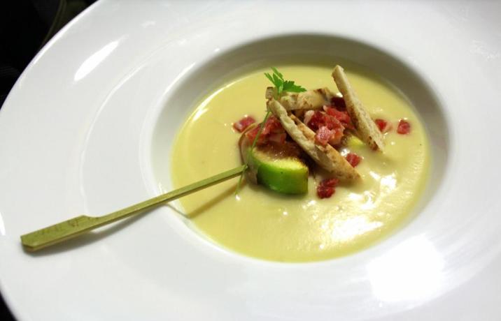 Chef luis aranda crema vichyssoise cl sico franc s for Chef en frances