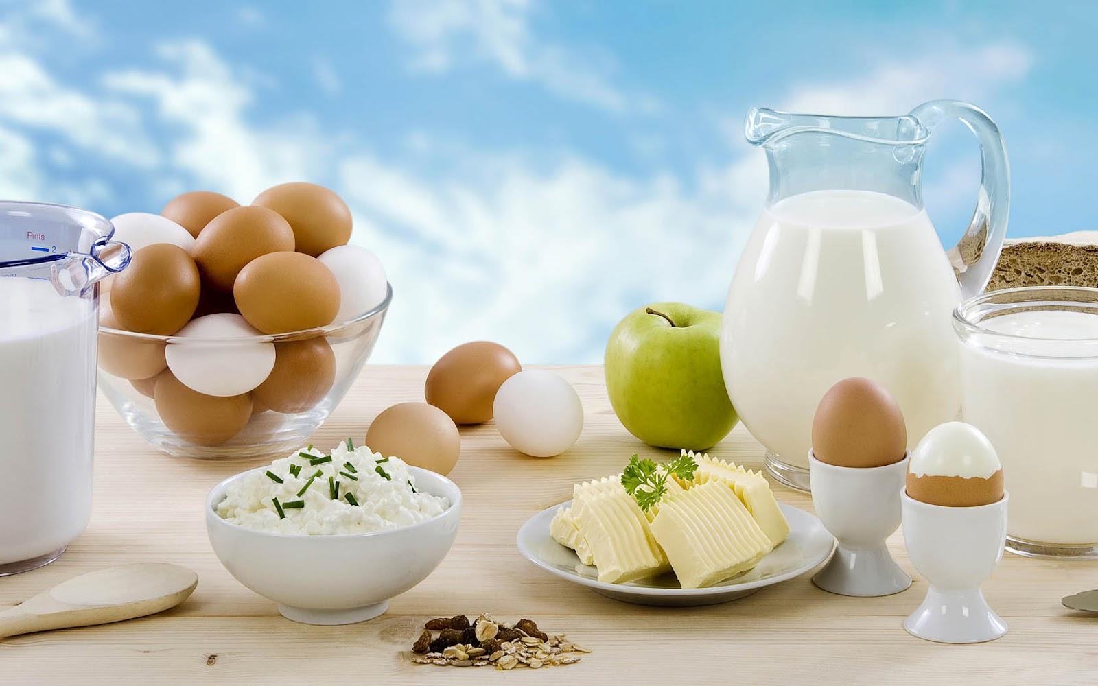 http://3.bp.blogspot.com/-S4LJWZmlL88/UHCS1T2-p3I/AAAAAAAAFqY/d8xZZuIGHXQ/s1600/wallpaper-met-melk-en-eieren-op-tafel-hd-eten-achtergrond.jpg