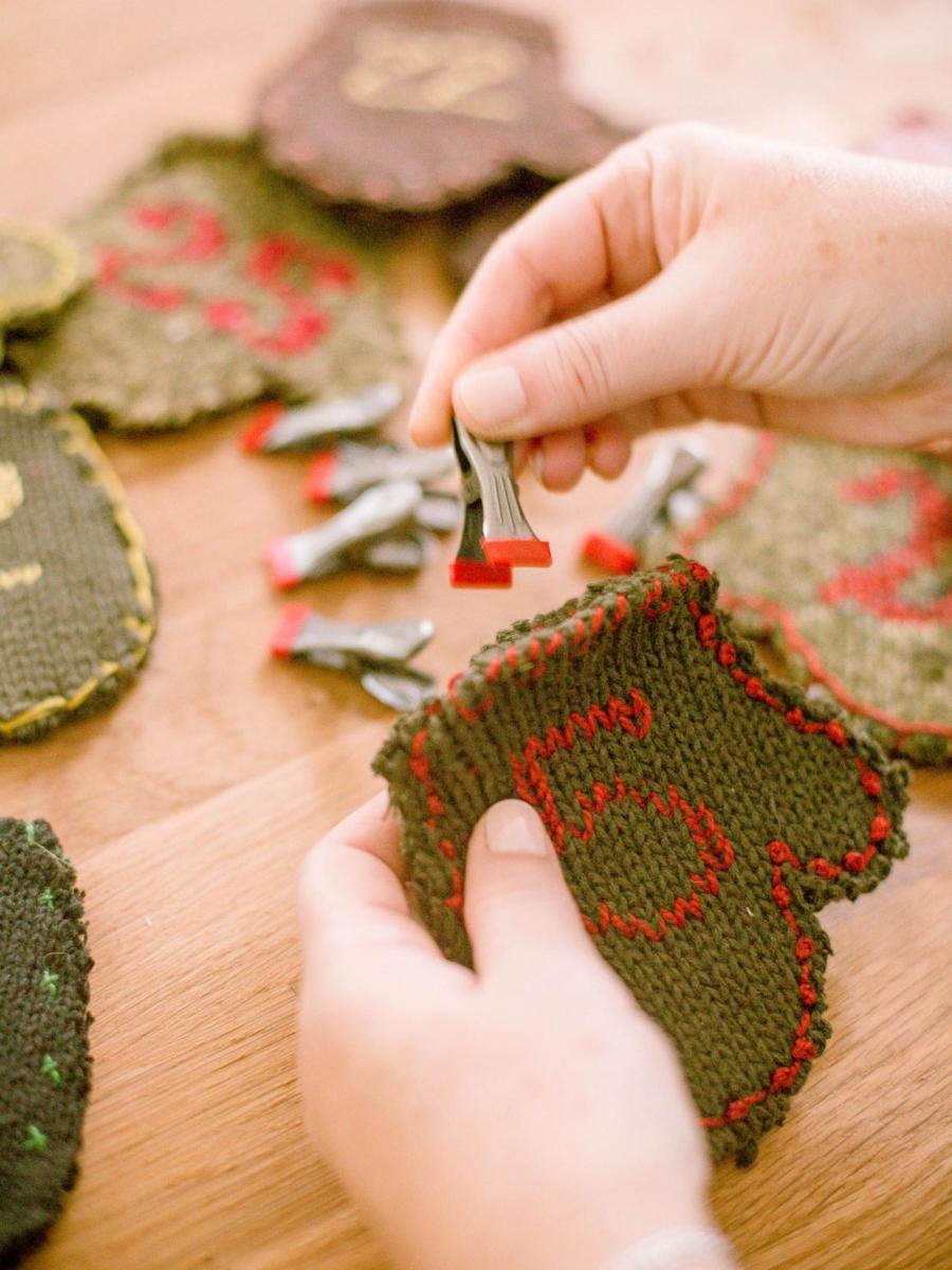 DIY, zrób to sam, do it yourself, project, tutorial, kalendarz adwentowy, advent calendar, stare swetry, old sweaters, idea, pomysł, święta, Boże Narodzenie, Christmas