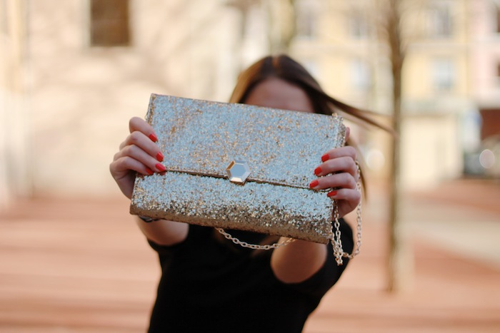 suite blanco clutch