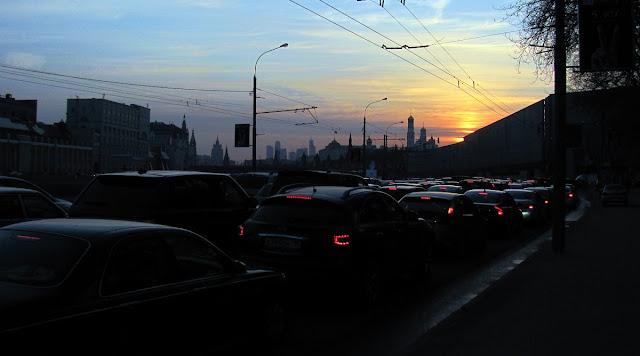 Москва, закат над Москва-рекой