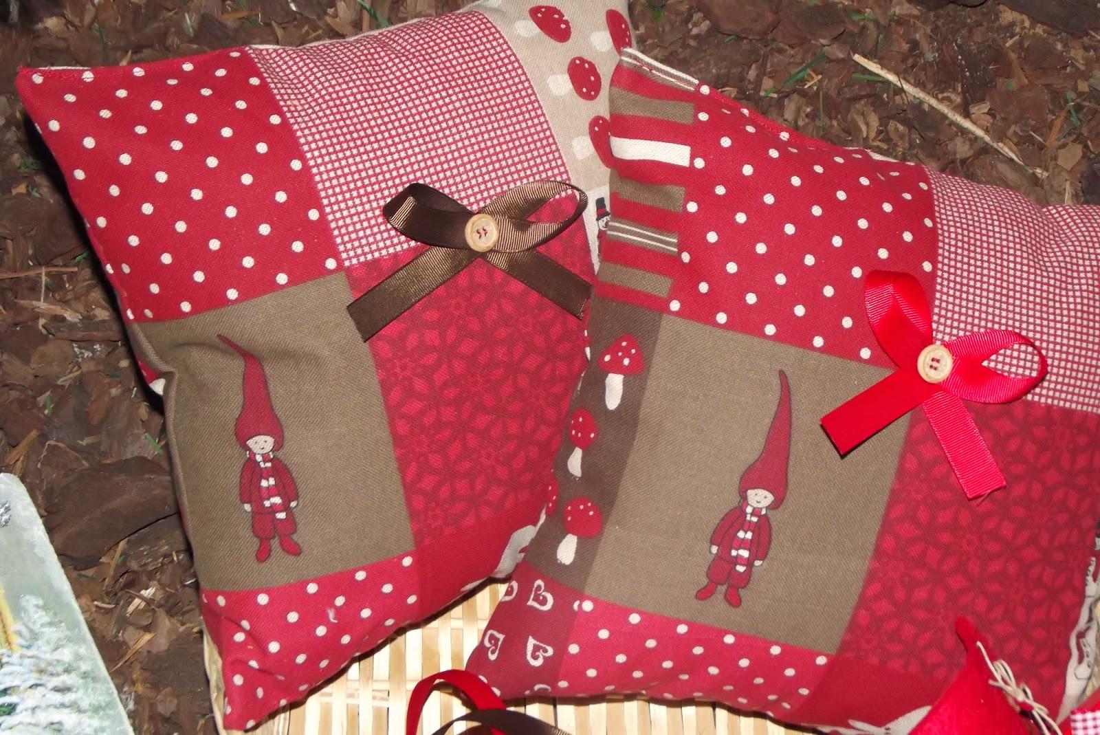 Idee Creative Cucito : Il bruco cucito creativo cuscini natalizi