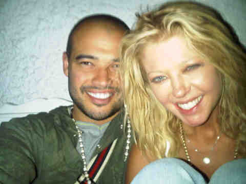 Tara Reid Honeymoon Photos !