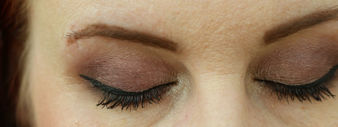 Eyes closed using the Velvet Palette