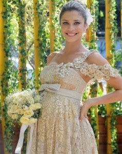 fotos e imagens de Vestidos para Casamento no Campo
