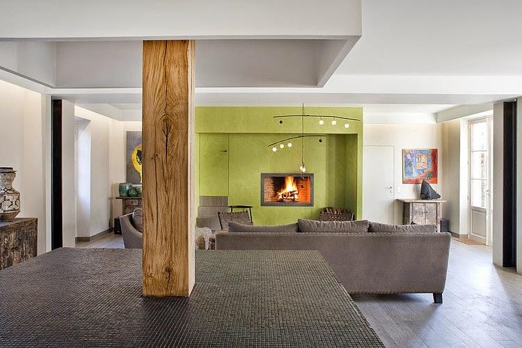 una residenza francese. Black Bedroom Furniture Sets. Home Design Ideas
