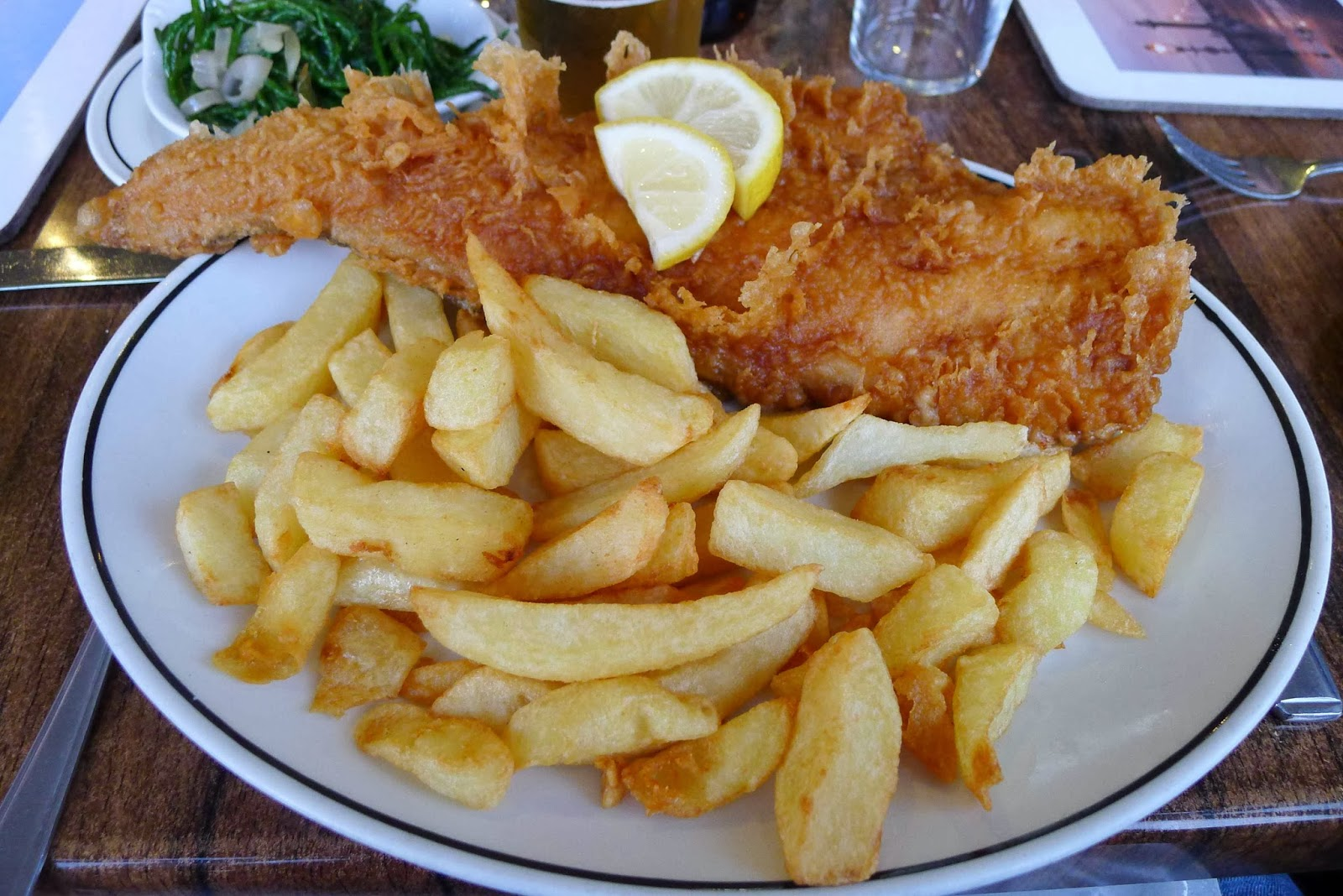 Gourmetgorro the magpie cafe whitby restaurant review for Fish chips restaurant