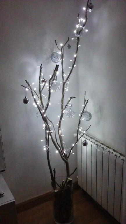 En su camino 24 ideas para hacer en espera de la navidad 2 - Decoracion con ramas de arboles ...