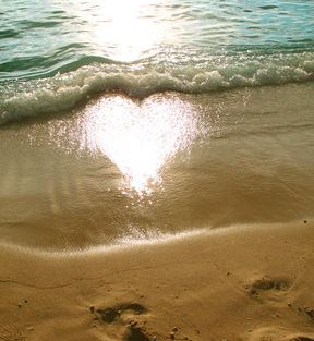 love pictures: Heart on the beach