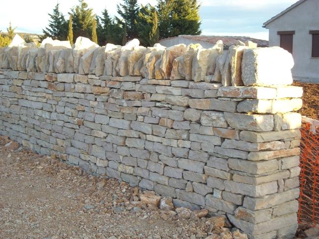 Se busca trabajo en mallorca - Muro de piedra natural ...