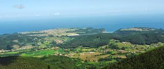 Cudillero, Ruta de Las brañas vaqueiras, vista del litoral