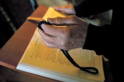 http://3.bp.blogspot.com/-S5ZzqsrH64g/VPYstSdRmVI/AAAAAAAAsw4/eDDCGaQTVF4/s1600/a-monks-life.jpg