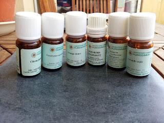 Des huiles essentielles bio, utilisées pour la réalisation de deux parfums