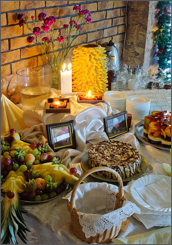 krikštynų vaišių stalas