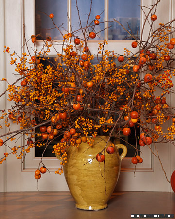 Dreamy spaces fancy fridays fall d cor carries on for Autumn flower decoration