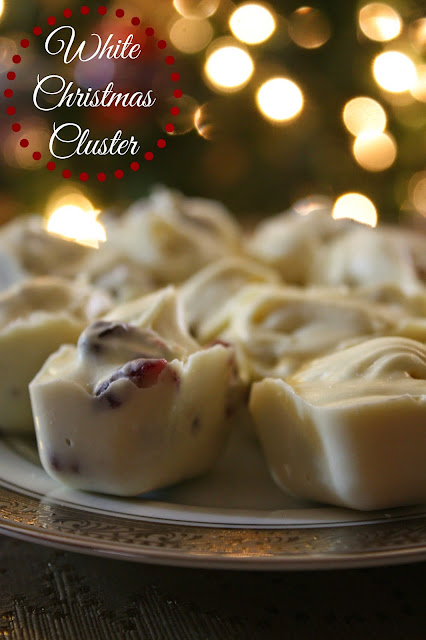 White Christmas Clusters - Only 3 ingredients!