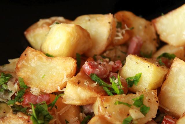 Roasted Potatoes With Bacon, Cheese, And Parsley Recipe ...