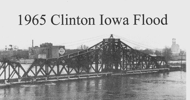 Industrial History: UP/C&NW Clinton, IA, RR Bridge over a Flooded Mississippi