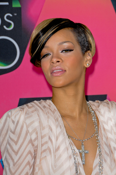 Rihanna Hairstyles Image Gallery, Long Hairstyle 2011, Hairstyle 2011, New Long Hairstyle 2011, Celebrity Long Hairstyles 2060