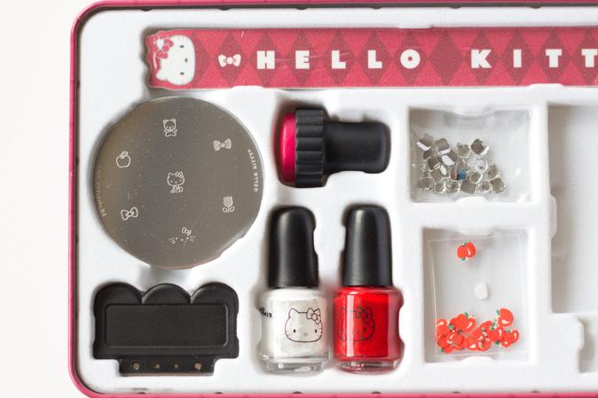 hello kitty kawaii nail set