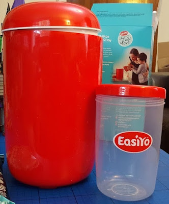 EasiYo yoghurt maker and pot