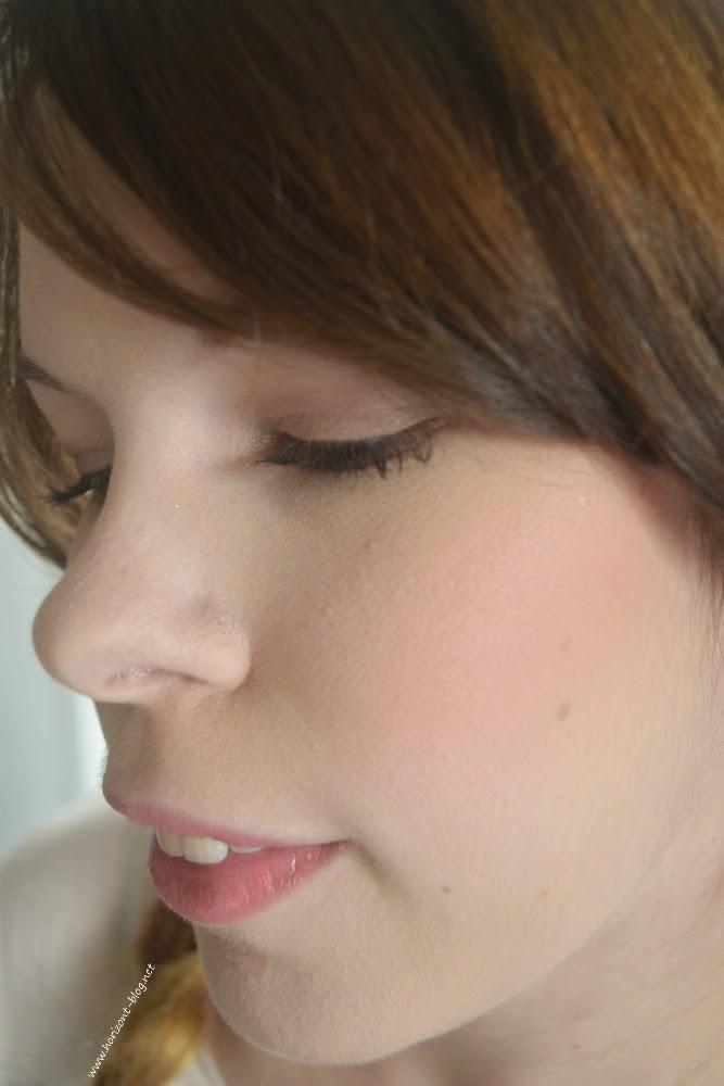 """Tragebild vom Pro Longwear Blush """"Fleeting Romance"""" aus der The Matte Lip - LE von MAC"""