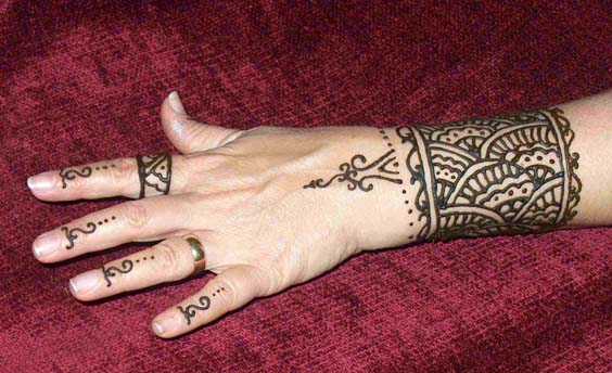 Mehndi 360 simple and easy mehndi designs for Henna wrist tattoo