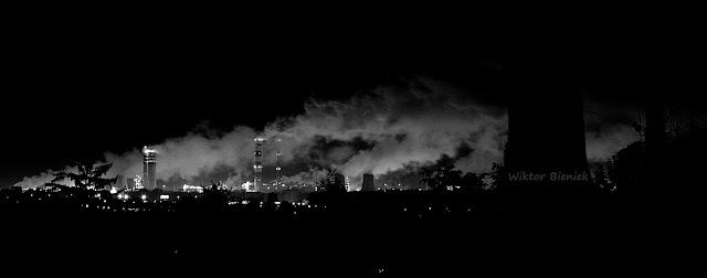 Azoty Puławy, kominy, fabryka nocą