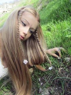 russa que se parece com a barbie