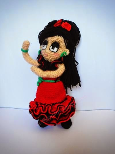 muñeca flamenca amigurumi