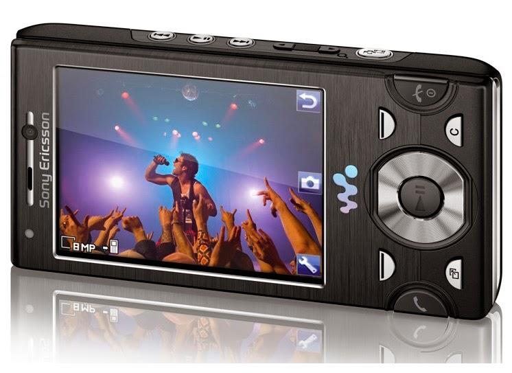 Мобильный телефон Sony Ericsson W995i Black в корпусе слайдер с большим ярким экраном