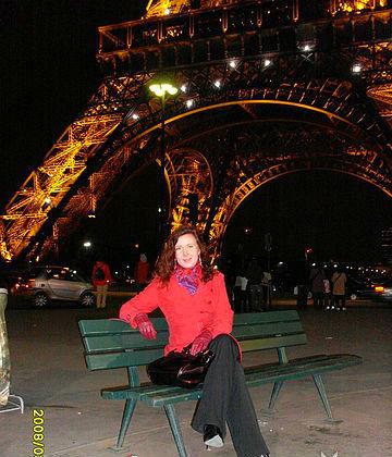Фото 7 я на фоне эйфелевой башни