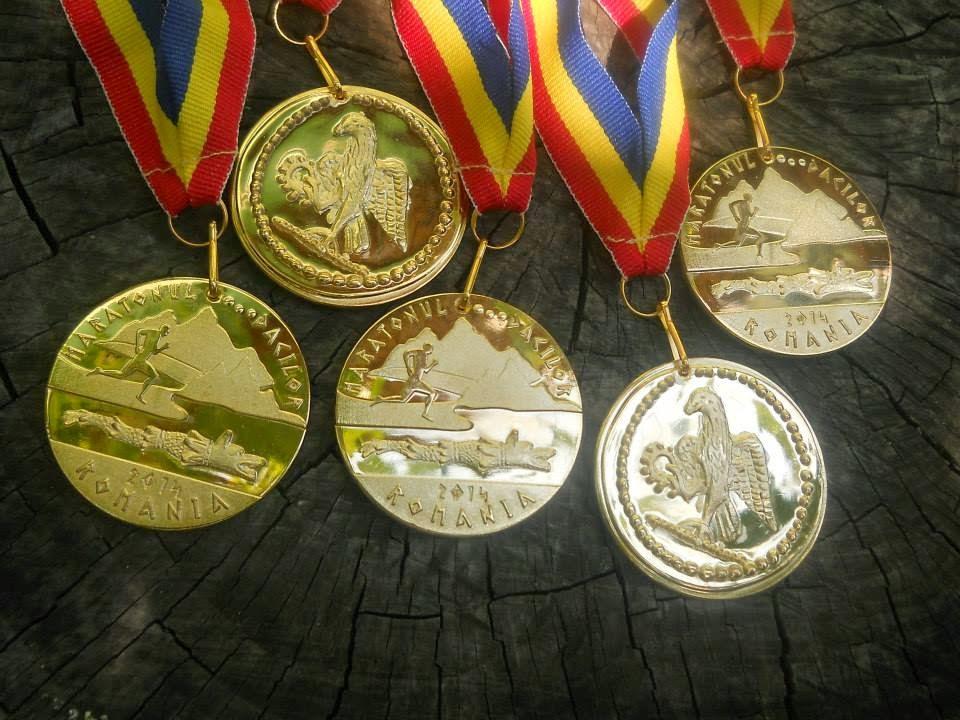 Medaliile şi tricourile de la Maratonul Dacilor 2014. Medalii