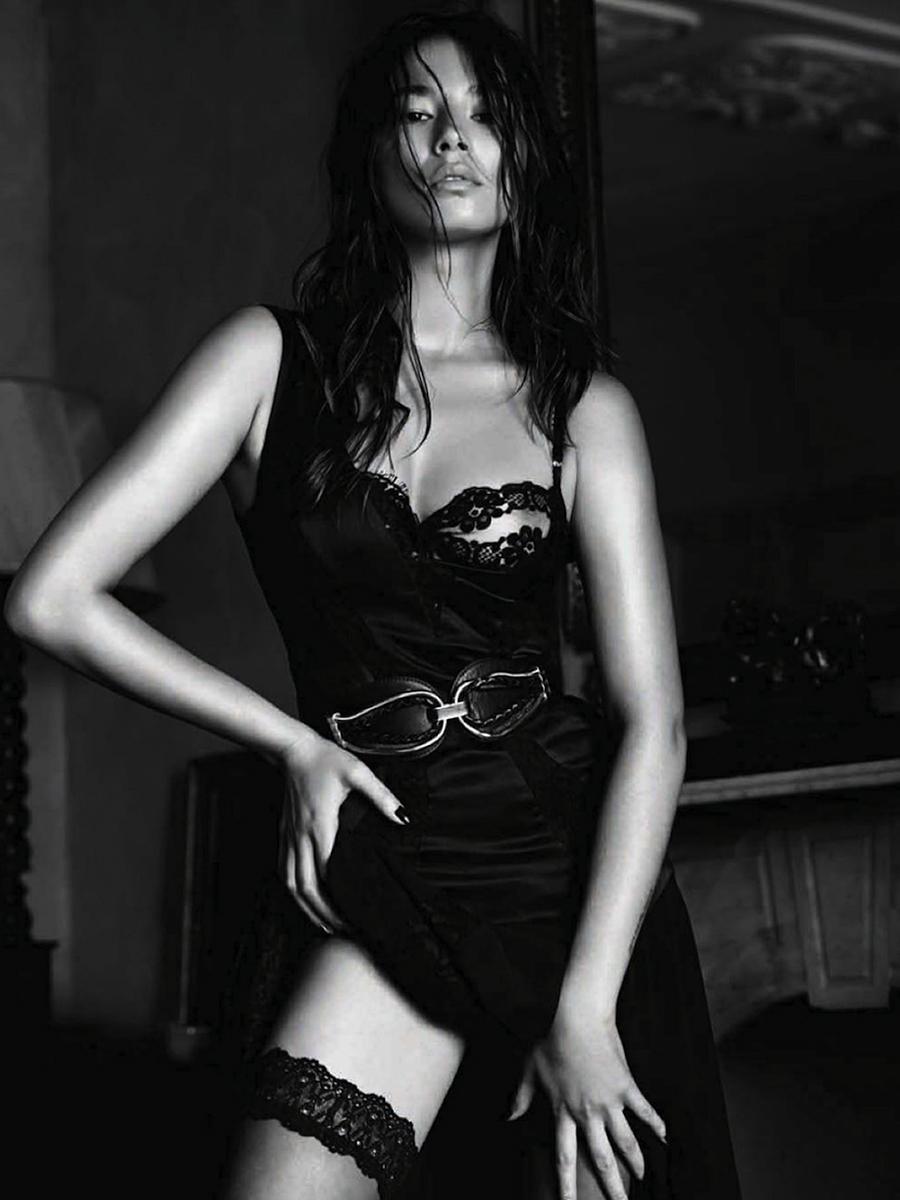 Jessica Gomes – sexy in lingerie