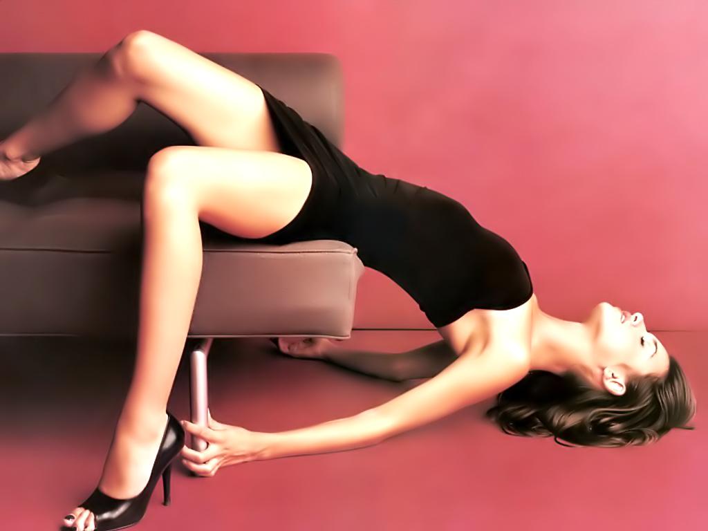 http://3.bp.blogspot.com/-S7Du6W5NObU/TgoF5xl47fI/AAAAAAAAAIE/X_YuVcpfrfg/s1600/papel-de-parede-mulheres-04.jpg
