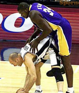 funny picture: stretching routine shaquille o'neal