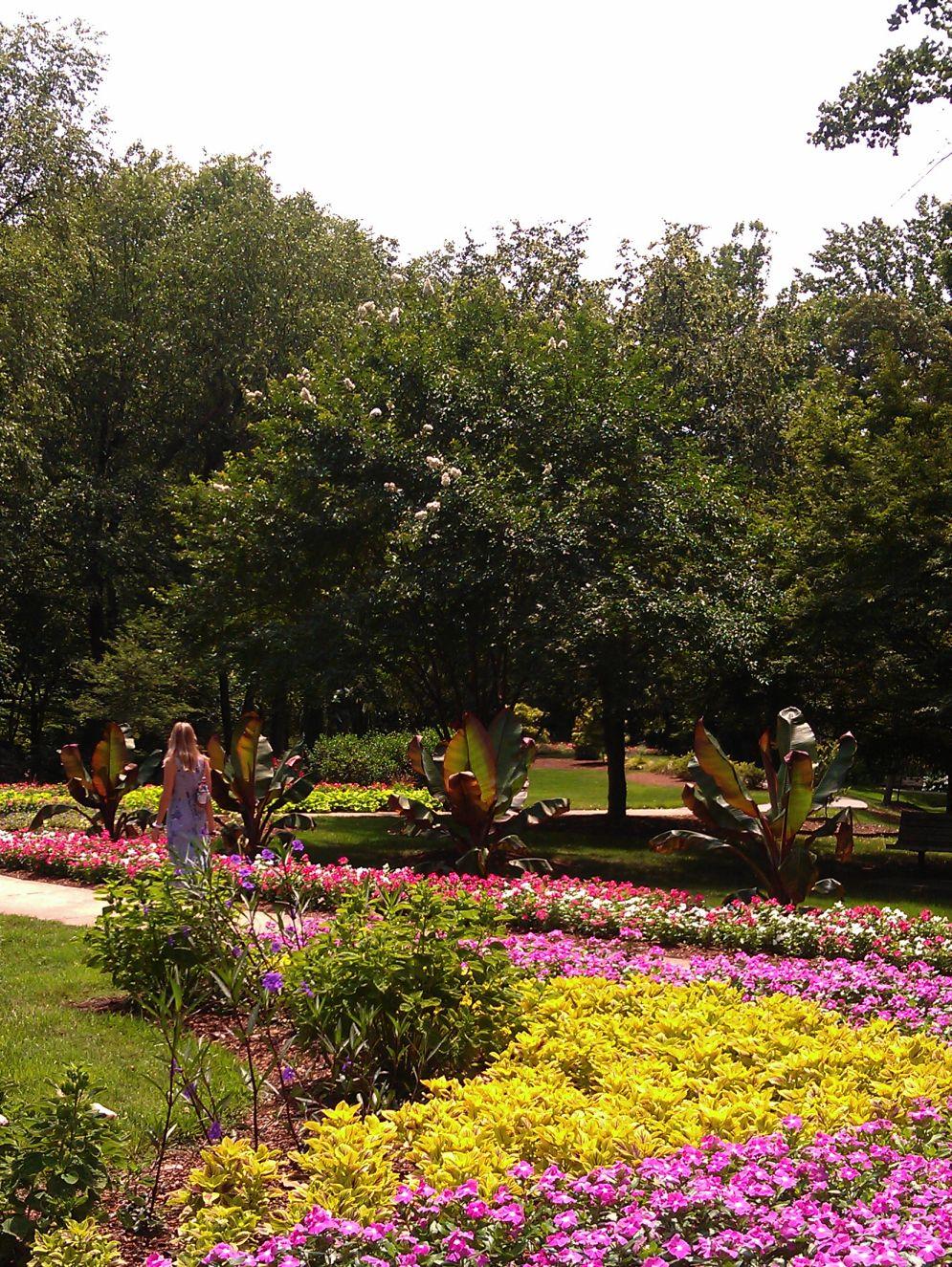 RvBurg...Community In Motion: Visiting the Garden\'s of Greensboro NC