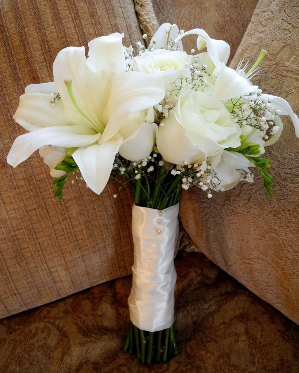 Simple Lily Bridal Bouquet : The flower girl white bridal bouquet