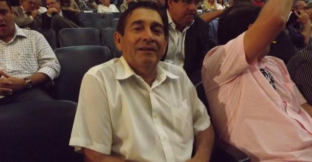 http://www.blogdofelipeandrade.com.br/2015/11/tribunal-de-justica-pede-afastamento-do.html