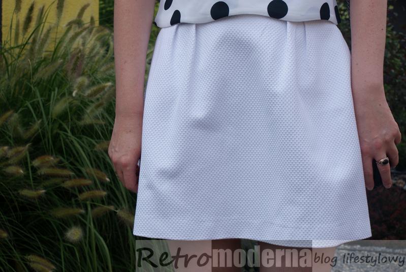 Biała spódnica z Mohito