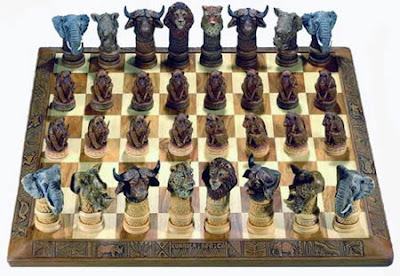 WILD ANIMALS CHESS SET