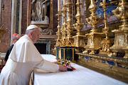 . tiempo que pidió que continúen rezando por él. papa francisco