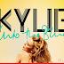 Kylie Minogue apresenta o clipe 'Into the Blue'