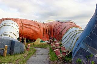 Kisah Suram Dibalik Gagalnya Taman Gulliver