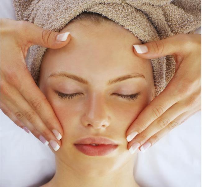 5 Tips Perawatan Wajah Secara Alami Agar Awet Muda